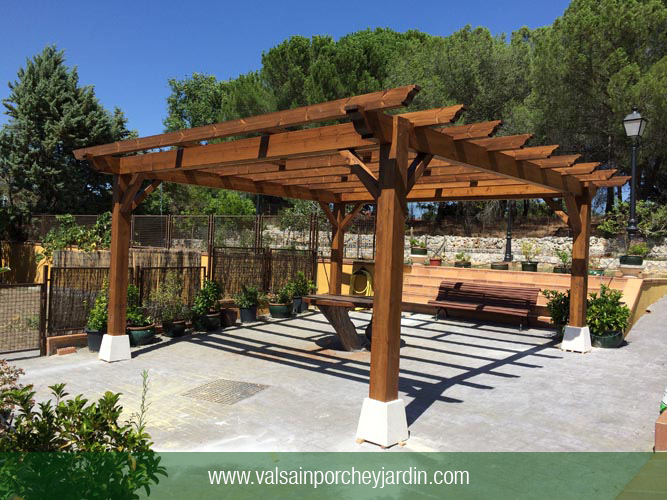 Pergolas joy studio design gallery photo for Porche jardin madera