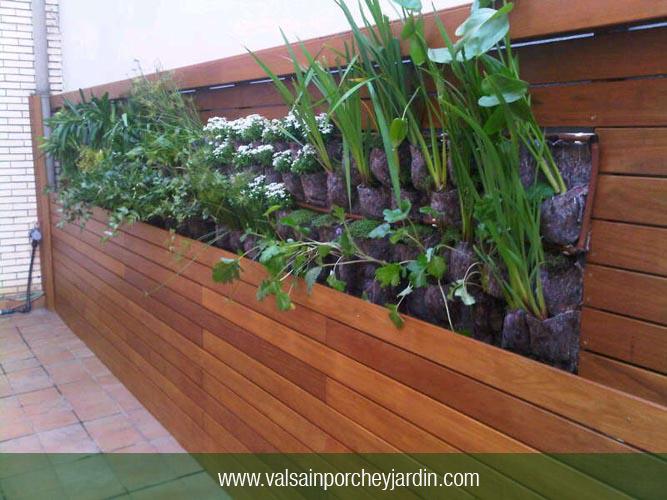 Pared de cumar con jardinera en valladolid for Valsain porche y jardin